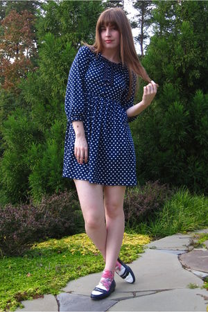 blue Zara dress - blue thrifted shoes - white H&amp;M socks - blue vintage tie