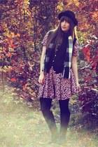 bubble gum vintage dress - black Steve Madden boots - black Beacons Closet vest