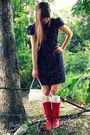 Blue-modcloth-dress-white-target-socks-red-vintage-boots-white-vintage-thr