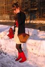 Red-thrifted-shirt-white-thrifted-vintage-skirt-red-vintage-boots-gold-vin