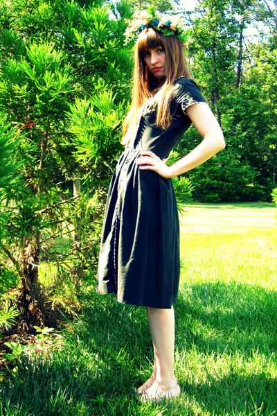 black vintage dress - pink DIY accessories - pink vintage salvatore ferragamo so