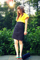Yellow-vintage-thrifted-blouse-black-vintage-thrifted-skirt-blue-urban-outfi