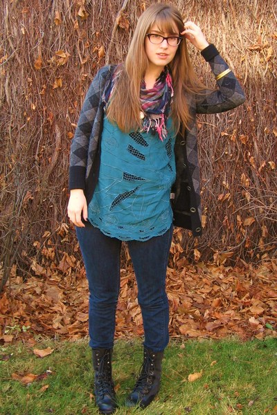 black madewell sweater - black Steve Madden boots - blue Urban Outfitters shirt
