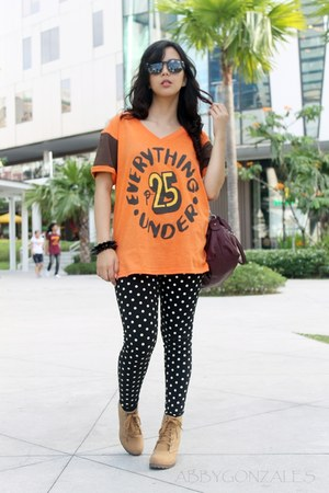 carrot orange Artwork PH t-shirt - nude The Landmark boots