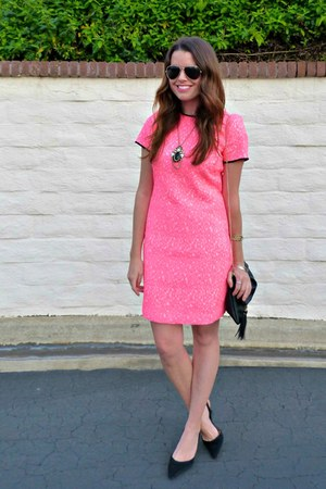 hot pink neon banana republic dress - black cross-body H&M bag