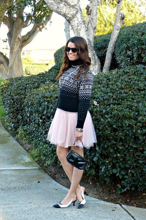 tulle Zara skirt - kitten heels stuart weitzman shoes - patent leather coach bag