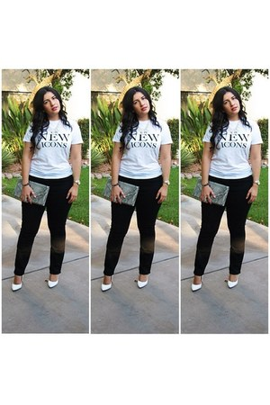 H&M t-shirt - Old Navy jeans - white pumps Shoedazzle pumps