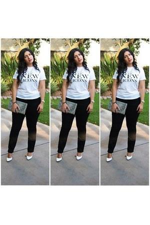 H&M t-shirt - Old Navy jeans - white pumps Shoedazzle pumps