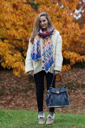Episode cardigan - Zara jeans - H&M scarf - Anniel shoes - YSL bag - YSL accesso