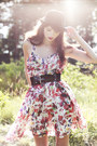 Hot-pink-flower-print-gina-tricot-dress-black-bowler-monki-hat-black-wide-gi