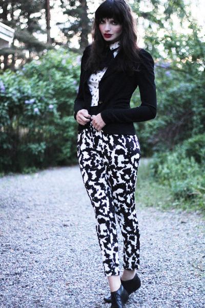 vagabond shoes - Leifsdottir blazer - bow print H&M shirt - graphic print H&M pa