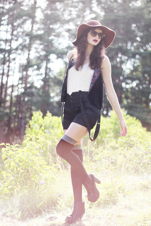 crimson floppy asos hat - navy denim suspender Vila shorts - black over knee aso