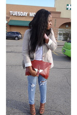 cut jeans jeans - tan blazer - white shirt - envelope clutch bag