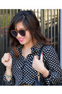 Old-navy-boots-polka-dot-popbasic-shirt-prada-bag