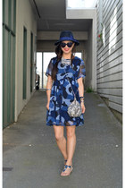 Boohoo dress - Forever 21 hat - sequin free people bag - Fibi & Clo sandals