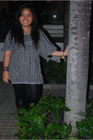 gray blouse - black Fetish leggings - black Parisian shoes