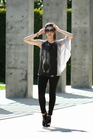 black Michael Kors boots - black Chanel sunglasses - black Zara pants