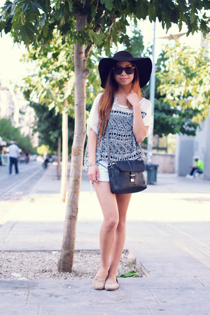 white gift top - brown Forever 21 hat - black Marc by Marc Jacobs bag