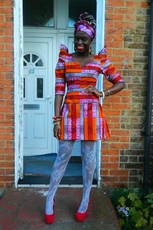 red heels shoes - african print CJAJ09 dress - white net Primark tights