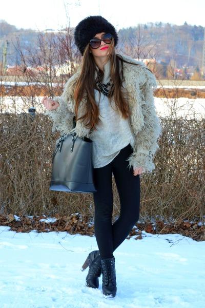 venezia boots - new look jacket - H&M sweater - H&M leggings - Zara bag