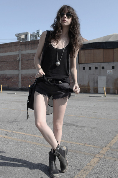 black brandy melville top - charcoal gray obey shorts