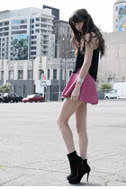 bubble gum Naven skirt - black Chrisitian Louboutin boots