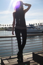 Gray-marc-jacobs-sweater-black-j-brand-jeans-black-sam-edelman-shoes