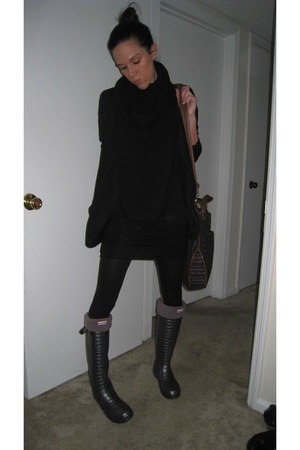 HunterJimmy Choo boots - Alice & Olivia dress - Paper Doll blazer - Wolford tigh