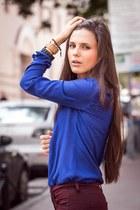 navy Zara blouse - crimson Topshop jeans