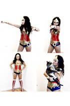 "Wonder Woman ""Saving the world through Fashion"""