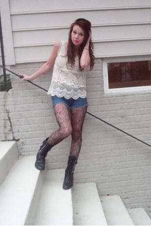 off white crochet tank American Eagle shirt - black combat boots boots