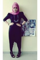 black un brand blouse - black Online Shop shoes - pink scarf - Topshop pants