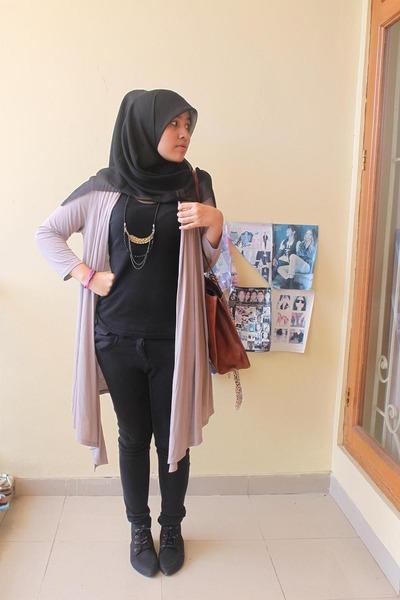 black Zara top - beige Marks and Spencer cardigan - black Topshop pants - black