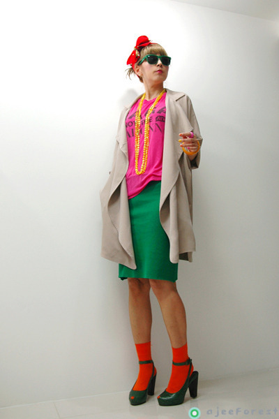 tan blazer - carrot orange socks - dark green skirt - hot pink t-shirt
