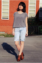 blue bermuda capri vintage jeans - heather gray muscle tee vintage top