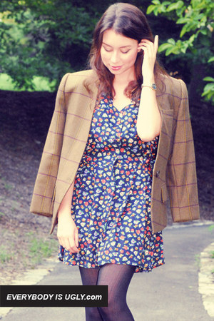 Floral-vintage-dress