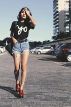 Sheinside jeans - Miloh Clothing t-shirt