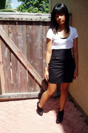 black H&M skirt - white shirt - black payless shoes - gray