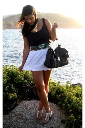 Primark bag - Primark sandals - Primark skirt - Bershka t-shirt - Parfois neckla