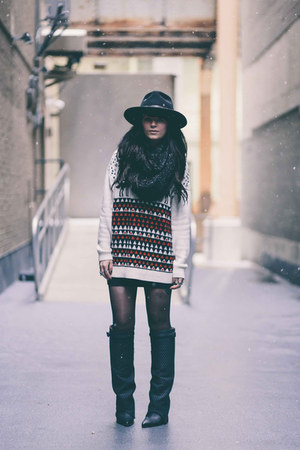 ivory Urban Outfitters sweater