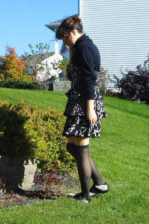 black borrowed from my boyfriend sweater - black Macys  dress - black peace sign