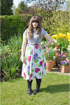 ivory floral vintage skirt - black asos boots