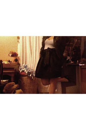 t-shirt - skirt - shoes - jacket