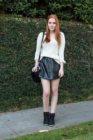 black leather Goodnight Macaron skirt - beige knitted Zara sweater