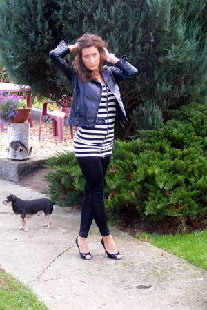 black blouse - black shoes