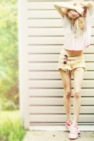 neutral cutoffs wildfox couture shorts - bubble gum pink nike shoes