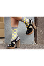 Gray-sweater-yellow-happy-socks-socks-navy-scalloped-skirt-skirt