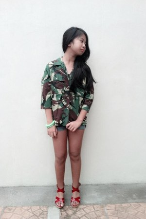 dark green camouflage thrifted jacket - navy denim thrifted shorts