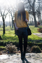 mustard Suzanne Dikker top - black Bershka shorts