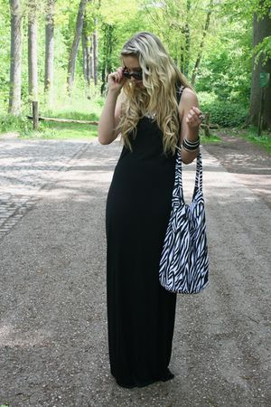 H&M dress - Primark purse